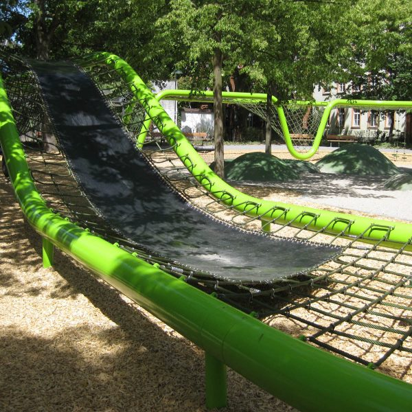 wiesbaden-sculpturalplayground-playequipment-custom-corocord-loops-slide1